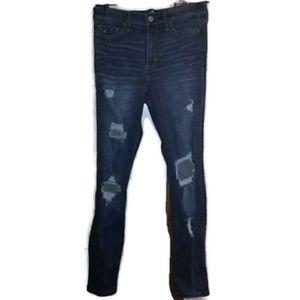 Hollister High-Rise Suoer Skinny Jeans 7 Short